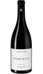 "Вино ""Красная Горка"" Пино Нуар, 2018, 0.75 л"