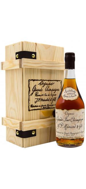 "Коньяк Menard, ""Ancestrale"" Reserve de Famille, wooden box, 0.7 л"
