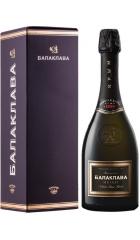 """Игристое вино """"Балаклава"""" Мускат Полусладкое, в подарочной коробке, 0.75 л"""