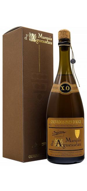 Кальвадос Marquis d'Aguesseau, XO, 8 ans, gift box, 0.7 л