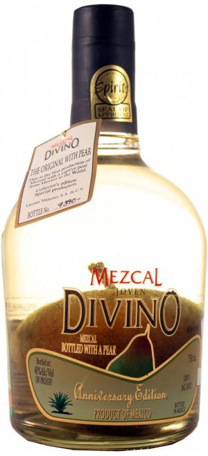 "Мескаль ""Divino"" Mezcal Joven, with a Pear, 0.75 л"